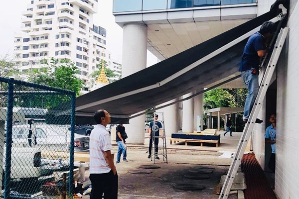 116-retractable-awnings3A9FC7F2-2AF6-D59E-8C0C-5FA44CCECE1F.jpg