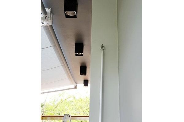 19-retractable-awnings8D6D4D9F-4309-503B-F19A-5300FC64300C.jpg