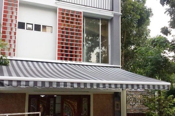 21-retractable-awnings7776A100-75C1-091D-3763-EB3ACBDE1BE5.jpg
