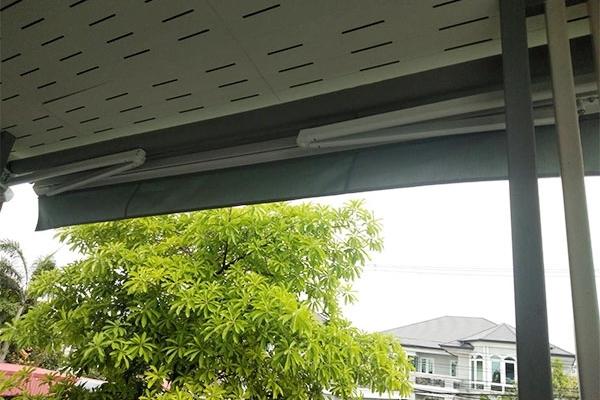 34-retractable-awnings66AA0141-9B9F-639B-C1C0-F4EEAFA55314.jpg