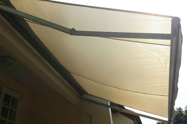 77-retractable-awnings355FD3BF-CFD6-6DBF-D227-80492F7EF385.jpg