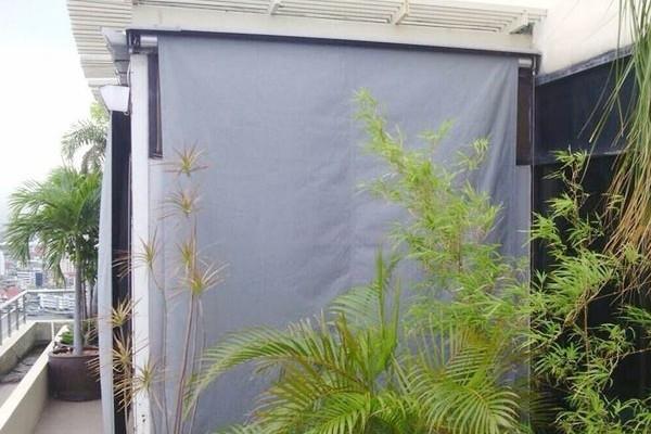 20-vertical-drop-awnings0E8AF16E-D552-48B3-9146-AE329D414F19.jpg