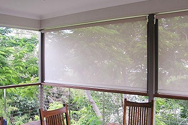 29-vertical-drop-awnings8E910955-8787-BA58-F85A-342122BDF90D.jpg
