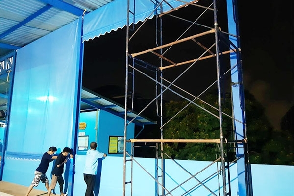 45-vertical-drop-awnings67F0E032-A636-D076-6D95-C196B35DFBC7.jpg