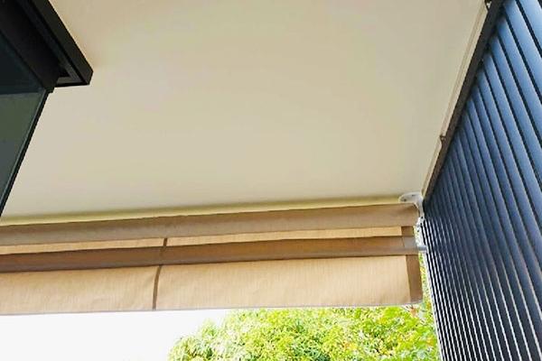 56-vertical-drop-awnings9E98A6F3-9C3E-00CF-0D4B-D78E0550BFEB.jpg