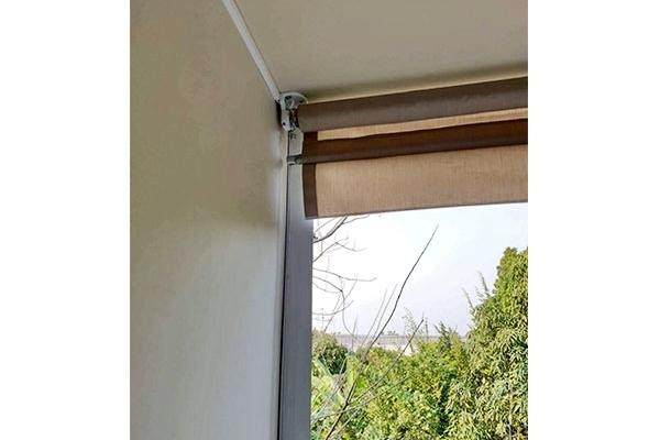 62-vertical-drop-awningsB3159813-19DC-937D-7359-C34EB9643DF8.jpg