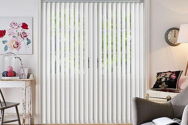07-vertical-blinds9E0A4CF4-E369-BA68-2A33-E639D87B5EEB.jpg